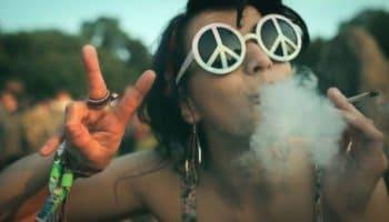10 raisons de préférer le cannabis à l'alcool