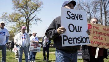 пенсійна криза, податок, пенсії